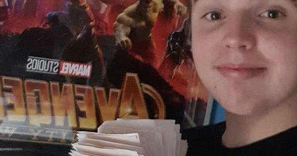 45 lần chưa là gì, xuất hiện super fan đã xem Avengers: Infinity War tới 100 lần