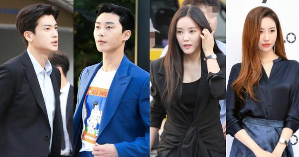 Sự kiện gây sốt nhờ dàn mỹ nam mỹ nữ: Tài tử Park Seo Joon điển trai như đi thảm đỏ, mỹ nhân Hyomin lộ chân xấu
