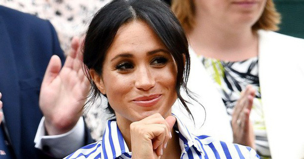 Không phải sắc màu mới mẻ và nổi bật, những màu son dễ đánh và trung tính mới là sự lựa chọn của phụ nữ Hoàng gia