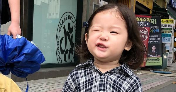 Biểu cảm lém lỉnh đáng yêu của nhóc tì Hàn Quốc viral trên Instagram