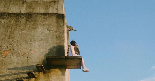"""Dân tình đổ xô tới chụp ảnh sống ảo ở """"nấc thang lên thiên đường"""" chỉ cách Đà Nẵng 30 phút chạy xe"""