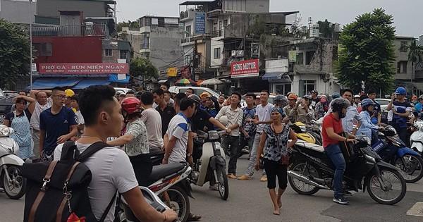 Hàng loạt người dân Hà Nội thông báo vừa xảy ra rung chấn