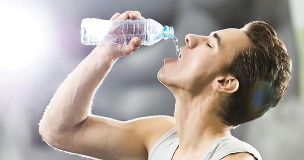 Sự thật khiến ai cũng ''ngã ngửa'' về nước tinh khiết