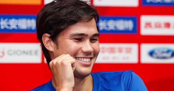 ''Hung thần'' của ĐT Việt Nam đang đá Asian Cup bỗng trở thành kẻ thất nghiệp vì lý do ''trên trời rơi xuống''