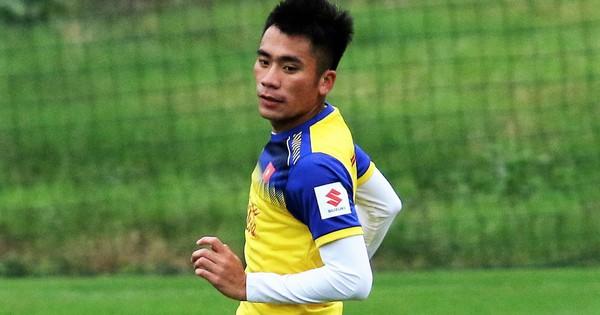 Sau hai giải vắng bóng, em trai Bùi Tiến Dũng tái xuất trong màu áo U22 Việt Nam