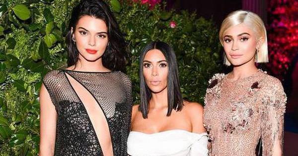Những sản phẩm ''trời ơi đất hỡi'' của gia đình Kardashian sẽ khiến bạn thốt lên: ''Thứ này cũng có người mua sao?''