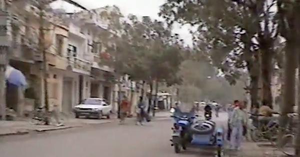 Mùng 1 Tết Hà Nội năm 1995: Một Hà Nội vẫn còn đường đất, không cờ hoa xác pháo và bình yên đến lạ