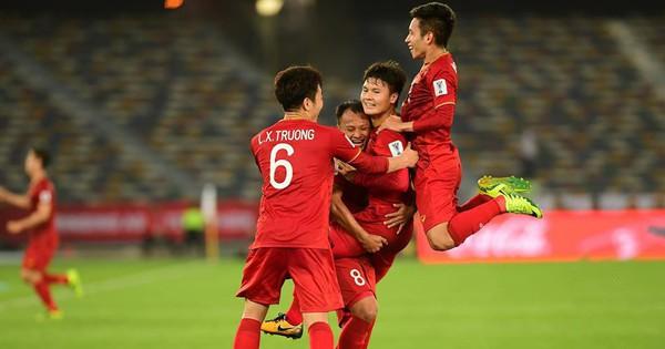 Nhà báo Jordan: ''Các cầu thủ Việt Nam chạy nhanh như gió. Đá hay chẳng kém gì Hàn Quốc''