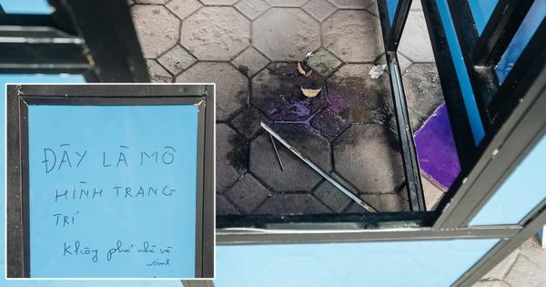 Đáng buồn chuyện người dân đi vệ sinh bên trong tác phẩm nghệ thuật giữa phố đi bộ Hà Nội: ''Chúng tôi đã rất tâm huyết nhưng bị đối đáp thật thậm tệ''