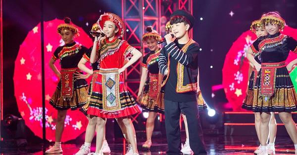 Cậu bé lai Hàn khuấy động ''Cặp đôi vàng nhí'' với hit ''Để mị nói cho mà nghe''