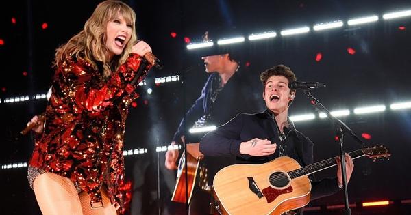 Đều có người thương hết cả rồi, ấy thế mà Taylor Swift và Shawn Mendes lại bất ngờ hát ''Lover'' cùng nhau ngọt ngào thế chứ lại!