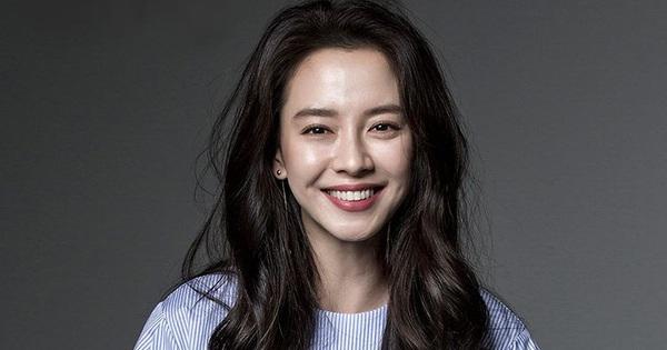 Sau 14 năm ''nằm không'', mợ ngố Song Ji Hyo bỗng được tận 4 mỹ nam theo đuổi trong phim mới