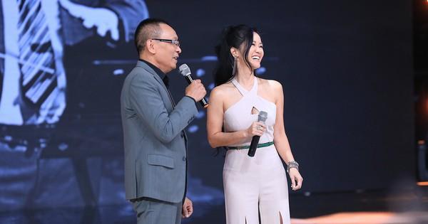 Ký ức vui vẻ: MC Lại Văn Sâm ''tố'' Hồng Nhung từng làm lố sóng đêm giao thừa