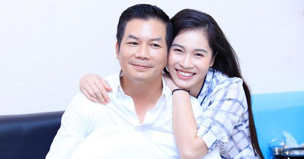 Vợ Á hậu kém 16 tuổi tình cảm tháp tùng Sếp Hưng đi quay show thực tế