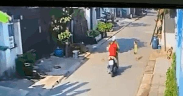 Clip: Cô gái phóng xe máy tông trúng cháu bé trên đường, phẫn nộ hơn cả là hành vi bỏ chạy vô trách nhiệm sau đó