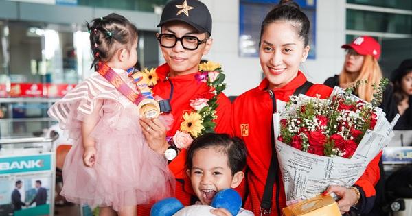 Khánh Thi - Phan Hiển hạnh phúc trong vòng tay chào đón 2 con, về nước sau khi giành HCV tại SEA Games 30