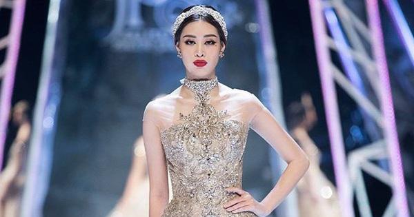 Catwalk điêu luyện nhường này, tân Hoa hậu Khánh Vân chắc chắn sẽ ''làm nên chuyện'' ở đấu trường nhan sắc quốc tế