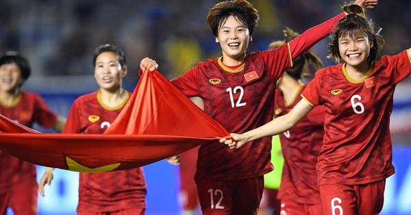 Báo Indonesia lo sợ khi tuyển nữ ở lại cổ vũ cho U22 Việt Nam đá chung kết: Họ đã có sự đồng hành của các cô gái xinh đẹp