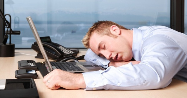 Mùa đông ai cũng ngáp ngắn ngáp dài đầy mệt mỏi? Không phải vì lười, có lý do đầy khoa học đấy