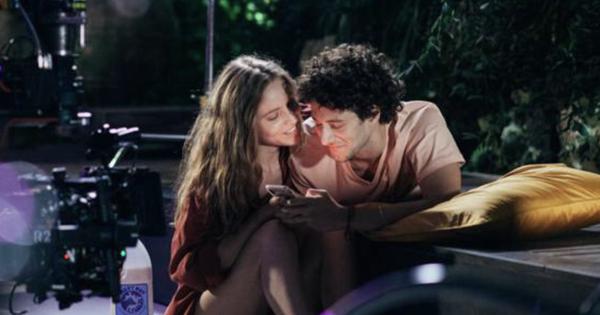 Hội ảo tưởng xài Tinder tìm được ''real love'' xem ngay phim mới của Netflix: Tưởng đi chăn rau ai ngờ bị rau chăn lại?