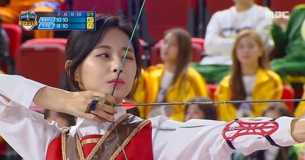Đã xinh đẹp lại còn bắn cung giỏi, Tzuyu (TWICE) gây sốc khi ôm trọn 4 điểm 10 tại đại hội thể thao