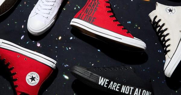 """Vỗ vai và nói """"We are not alone"""", Converse vẽ ra chiến dịch với nhiều câu chuyện phía sau"""