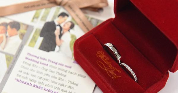 Đông Nhi bật mí cặp nhẫn đôi đầu tiên của cô với Ông Cao Thắng chính là nhẫn cưới