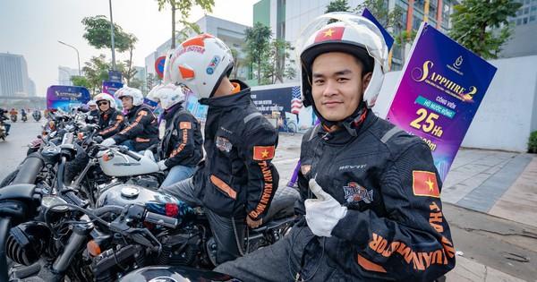 Ngắm dàn xế khủng Harley-Davidson cùng soái ca cool ngầu ngay trung tâm Hà Nội