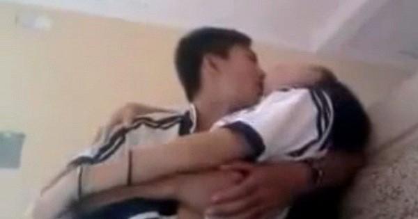 Nữ sinh dưới 16 tuổi bị bạn trai rủ qua đêm sau khi ngỏ lời yêu trên Facebook