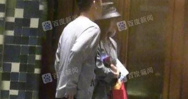Tần Lam bị paparazzi ''tóm sống'' nắm chặt tay trai đẹp vào khách sạn, chuẩn bị công khai chuyện tình cảm?