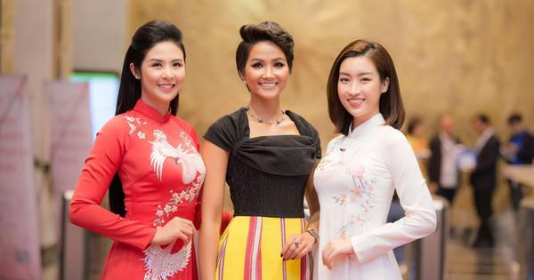 Ngọc Hân và Đỗ Mỹ Linh cùng tới chúc mừng H'Hen Niê nhưng khoảnh khắc ba người đẹp đọ sắc mới đáng chú ý!