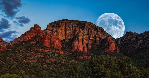 ''Siêu trăng giun'' - siêu trăng cực hiếm với cái tên kinh dị nhất sẽ diễn ra ngay tối nay