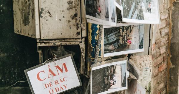 Hình ảnh người xả rác bừa bãi bị dán chi chít trong khu phố ở Hà Nội: ''Cấm mãi không được chúng tôi mới làm như vậy''