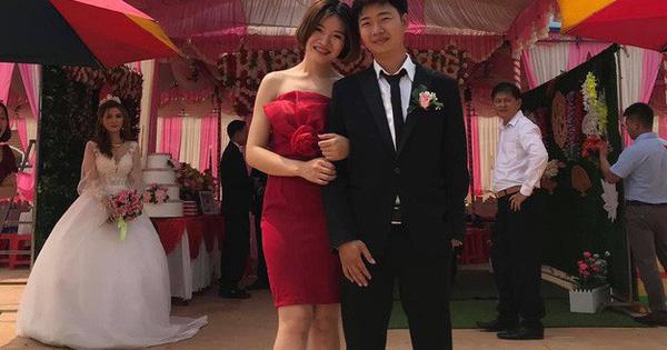 Cô dâu lủi thủi đứng một góc nhìn chú rể khoác tay ''người yêu cũ'' chụp ảnh trong đám cưới và sự thật bất ngờ phía sau