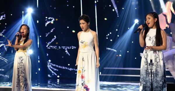 """Hòa Minzy khoe giọng live """"như nuốt đĩa"""" bên 2 học trò nhí"""