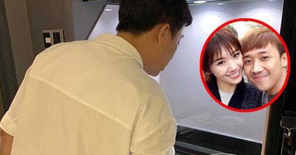Đi diễn về khuya, Hari Won được Trấn Thành xuống bếp nấu ăn, chăm sóc từng ly từng tí đúng chuẩn ông chồng kiểu mẫu