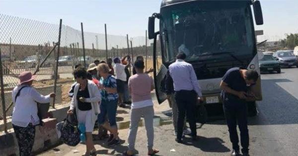 Đánh bom nhằm vào xe bus chở du khách tại Ai Cập