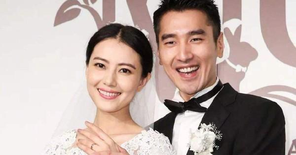 ''Dạ Hoa'' Triệu Hựu Đình vỡ oà khoe niềm vui bà xã Cao Viên Viên đã sinh con, giới tính được tiết lộ