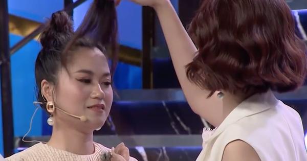 Cười ra nước mắt: Lâm Vỹ Dạ phải tháo tóc giả ra trên sân khấu vì liên tục bị phũ