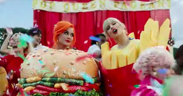 Cư dân mạng bấn loạn vì Taylor Swift và Katy Perry trong MV: ''Đây đích thị là khoảnh khắc Nobel Hòa bình của năm rồi!''