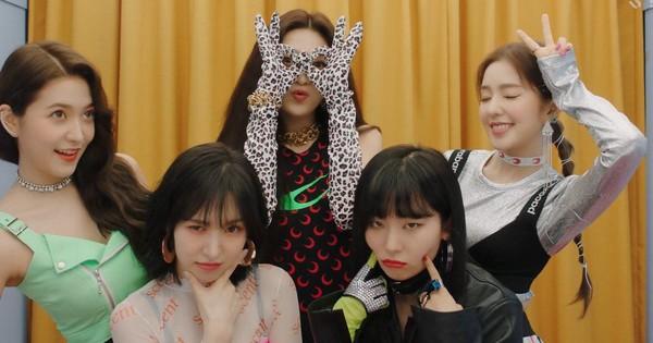 """Thành tích của Red Velvet sau 24 giờ comeback: Lập kỉ lục """"khủng"""" vượt TWICE và BLACKPINK ở Mỹ nhưng lại thua đau tại mảng này"""