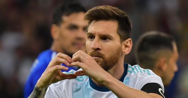 Messi phá bỏ thành công nỗi ám ảnh trên chấm phạt đền nhưng Argentina tiếp tục đón nhận kết quả thất vọng