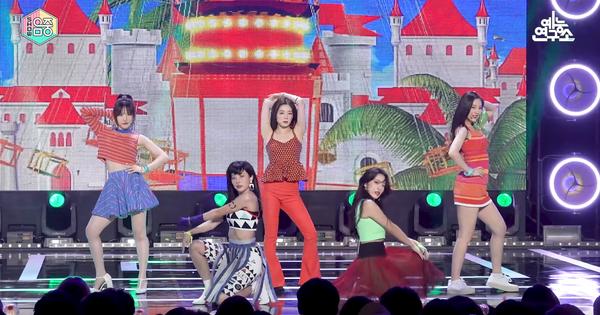 Red Velvet tiết lộ đây là vũ đạo khó nhất của nhóm, netizen chê kì cục và khen mỗi thành viên này nhảy đẹp