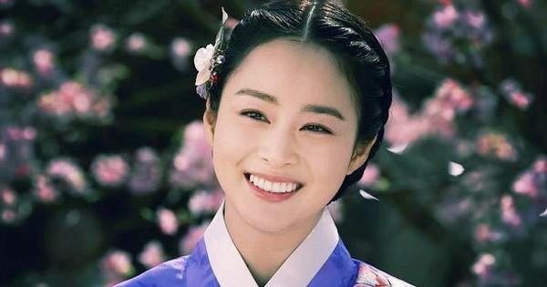Là ''con ghẻ'' truyền hình nhưng có đến 5 lí do để ''mê đắm'' phim cổ trang Hàn: Số 4 từng khuynh đảo toàn Châu Á