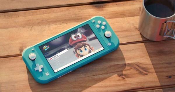 Nintendo Switch Lite vs iPod Touch 2019: Chơi game đơn thuần hay giải trí đa năng?