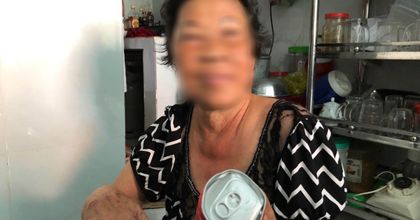 Trần tình của 2 mẹ con ''hôi'' nước ngọt mặc tài xế van xin: ''Tôi có lượm mười mấy hai chục lon về uống mà toàn móp méo không...''