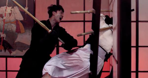 B Trần và Harry Lu ''lộ'' clip đấu kiếm kendo đẹp mãn nhãn ở ''Thật Tuyệt Vời Khi Ở Bên Em''