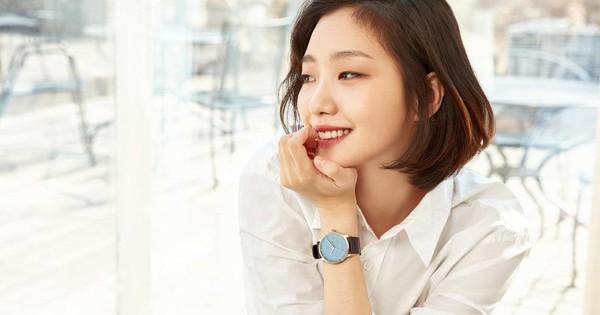 Kim Go Eun công khai ''thả thính'' mỹ nam Jung Hae In, quên luôn dàn bạn diễn cực phẩm