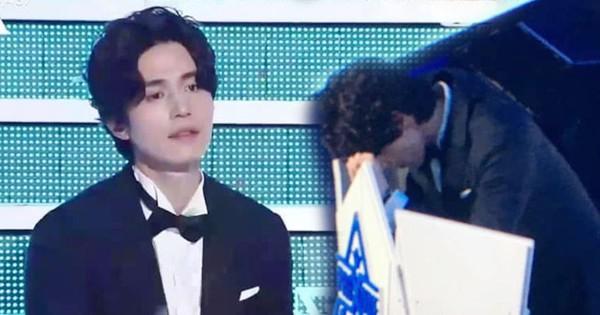 Lee Dong Wook thẫn thờ, gục mặt sau ghế hậu Chung kết ''Produce X 101''