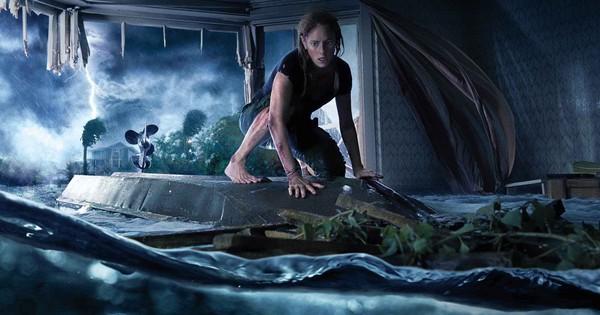 """3 lý do khiến cơn bão """"siêu to khổng lồ"""" trong Địa Đạo Cá Sấu Tử Thần càn quét phòng vé"""